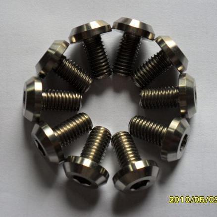 钛螺丝类:   圆头螺丝,自攻螺丝,六角螺丝,沉头螺丝,一字螺丝,方头
